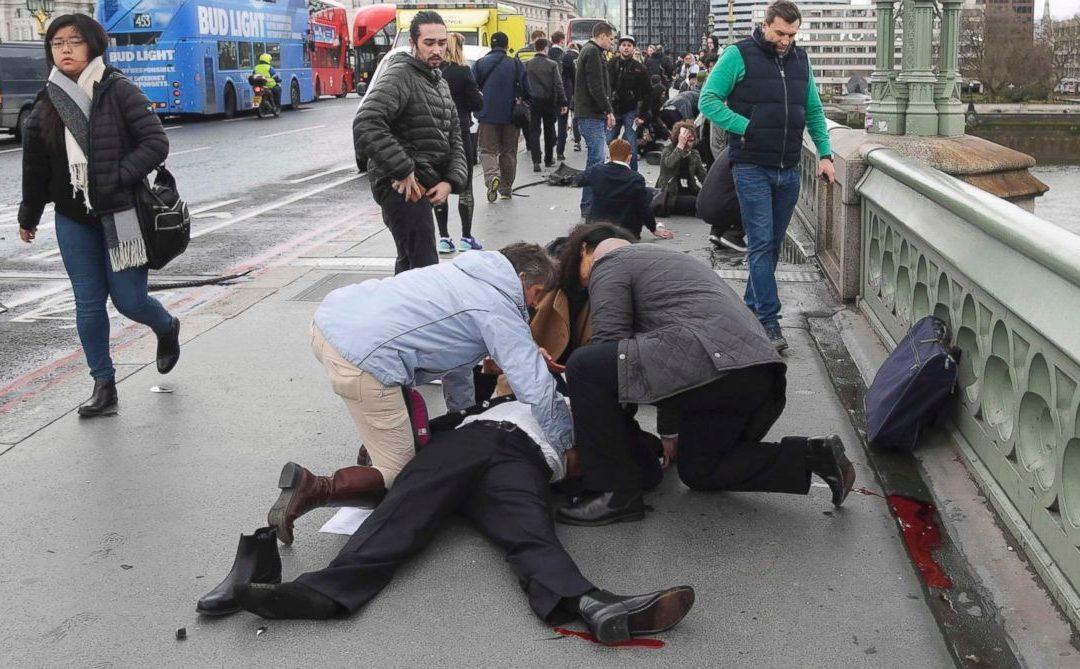 伦敦恐袭:还有人生死未卜,川普儿子却找机会喷粪!| 纽威评论 #世界不美好 #人心不古
